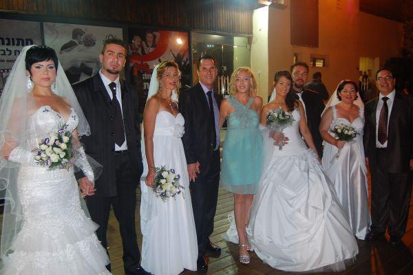 חוגגים חתונה לארבעה זוגות מנהריה במסגרת פרויקט