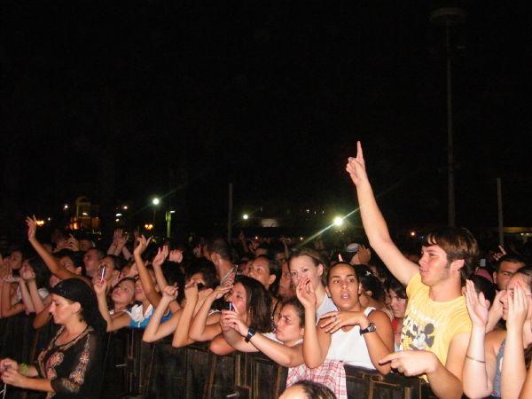 עשרות אלפי צופים הגיעו להופעה של משה פרץ בנהריה